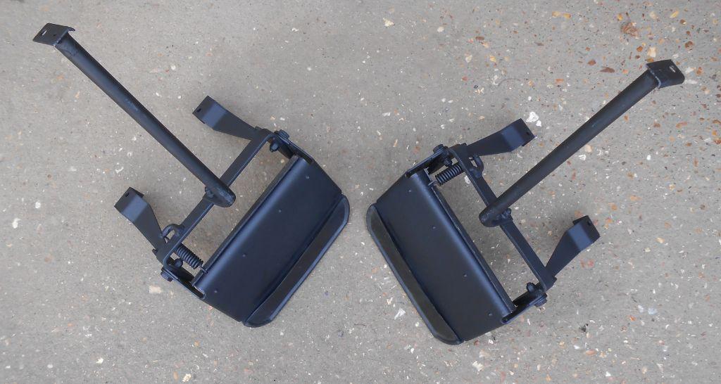 Deployed Side Steps For Range Rover Genuine Accessory: Land Rover Defender 90/110 Folding Side Steps